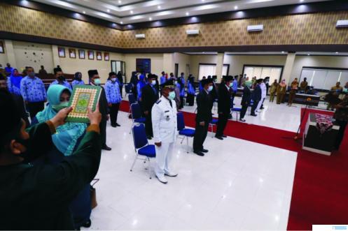 Suasana pelantikan puluhan pejabat eselon II, III, dan IV serta fungsional di lingkungan Pemko Payakumbuh oleh Walikota Riza Falepi, Senin (26/10/2020) di Balai Kota Payakumbuh. NITA