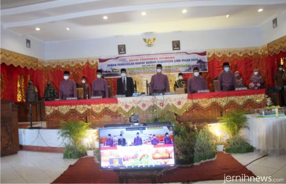 Suasana Rapat Paripurna Istimewa DPRD Kabupaten Limapuluh Kota yang dilaksanakan dengan Prokes Covid-19. IST