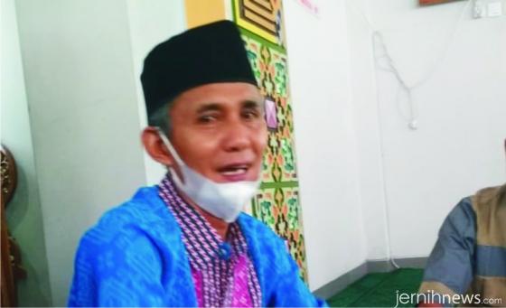 Kepala SMA INS Kayu Tanam, Drs. H. Hendrizal. ERZ